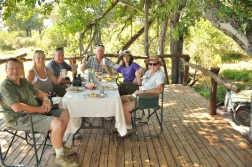 Lunch time picnic on full day game drive-550
