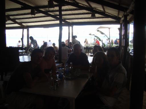 lunch aan het strand met johan zn familie