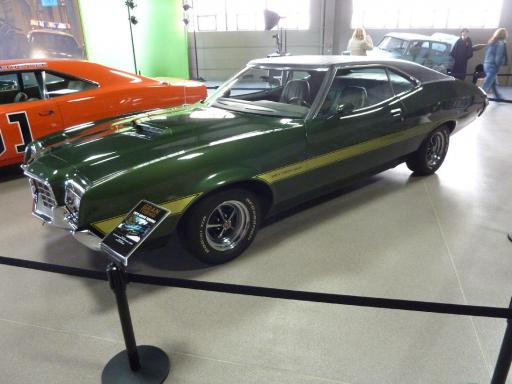 24 Gran Torino Car Owned By Clint Eastwood Clare And