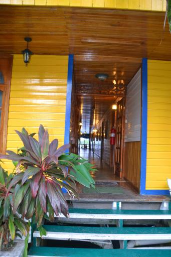 Hotel Olas front door