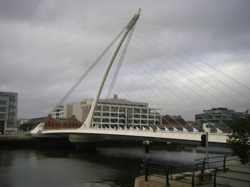 17 - Dublin's Becket Bridge