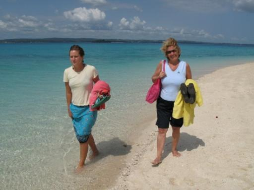 Mum & Johanna - the island hoppers