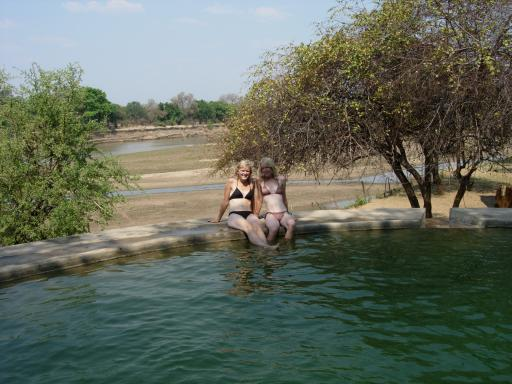 Zwemmen met uitzicht op de hippo's