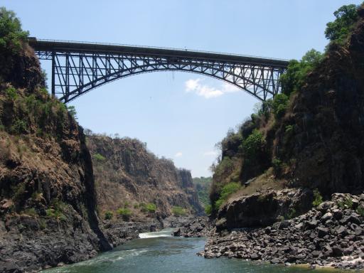 De brug waar we vanaf gesprongen zijn