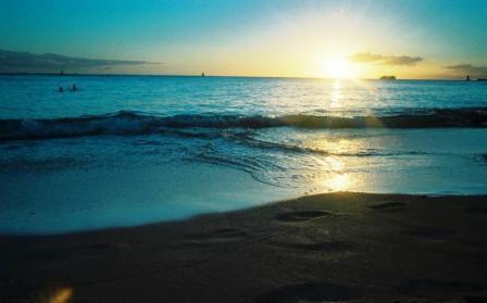 17-Waikiki beach