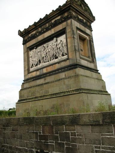 Monument 01