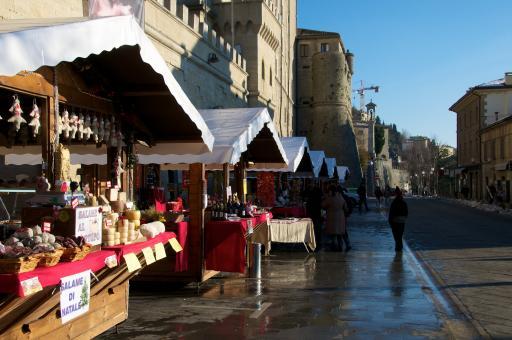San Marino Street To Italy Again