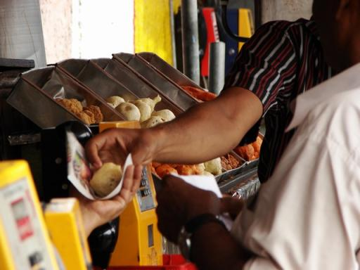 Kovai-I012- tea stall  at the bus station
