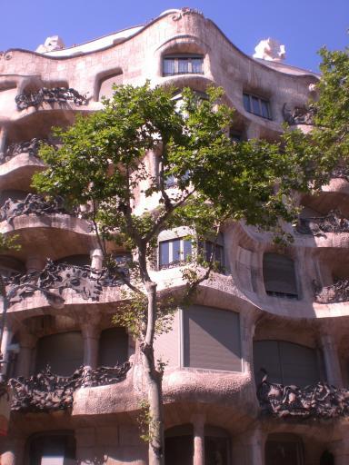 Barcelona Gaudi Casa De La Piedra Jpg Maria Amp Vanessa S