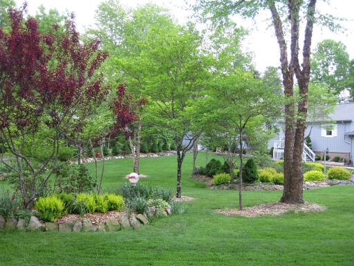 Oakland (TN) United States  City pictures : Just one example of the picturesque landscaping of the homes in ...